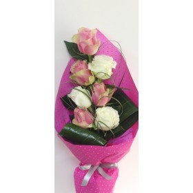 Букет цветни рози
